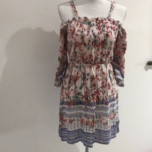 5/$25 Multi Color Flower Print Dress Size Small